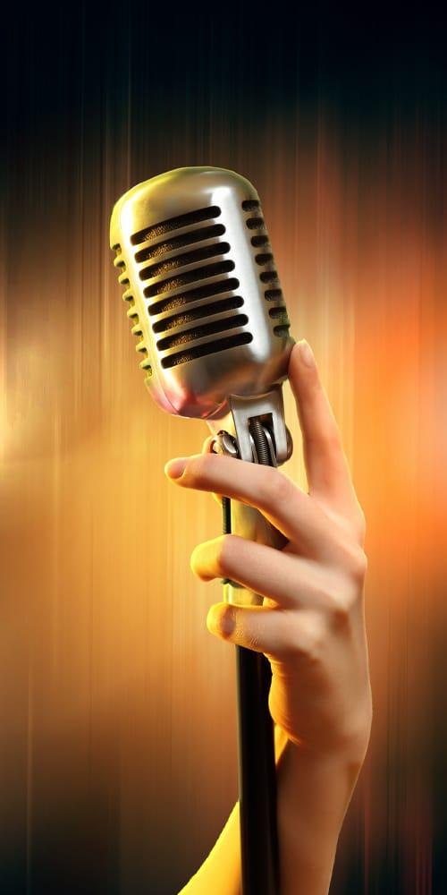 Microfono antiguo cantante para eventos
