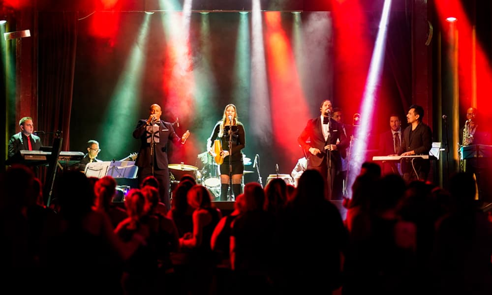 6 Tips for Hiring a Professional Live Band